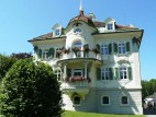 Jägerhaus: Das Jägerhaus am Alpsee unterhalb des Schlosses